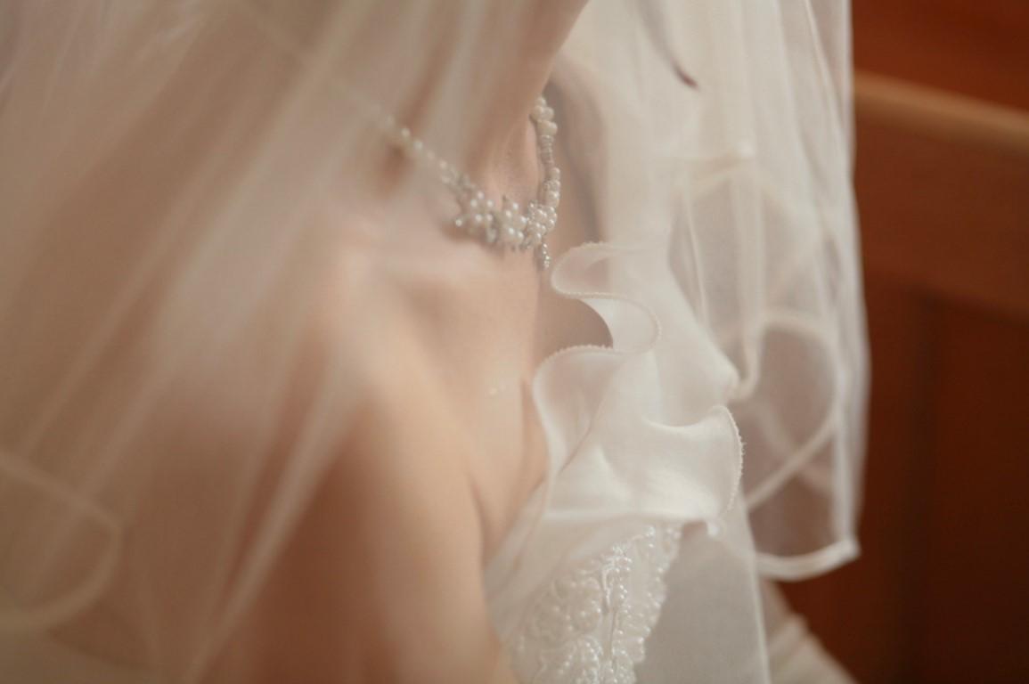 close up bridal jewellery on neck