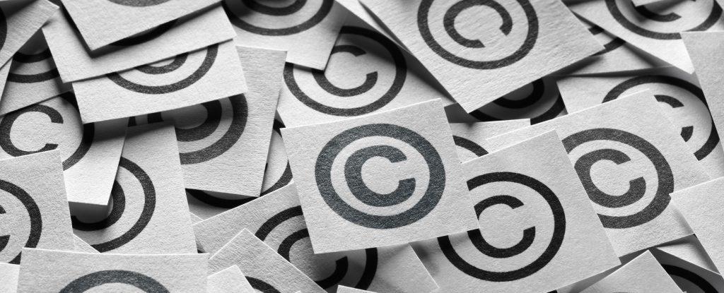 Viele kleine Copyright Symbole